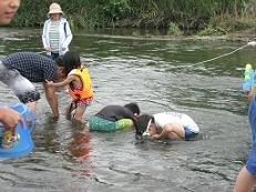 川遊び(水中のぞき)★.jpg